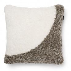 Декоративная подушка из овчины