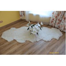 Ковёр из двух овечьих шкур (цвет - ваниль)