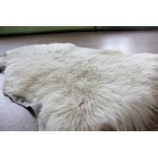 Овчина (цвет слоновой кости) с длинным ворсом 110 х 70 см.