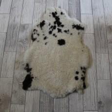 овчина (молочная с пятнышками) 90*60 см.