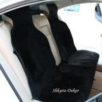 Меховая накидка из овчины с подголовником (чёрная), с коротким ворсом, на заднее сиденье