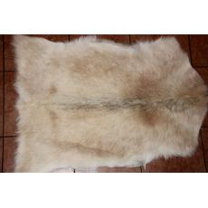 Белая шкура козы 90 х 60 см.